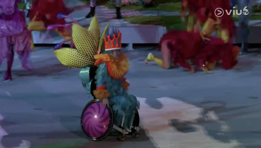 殘疾表演者在群體中毫無突兀,展現出本應一體的信息。(圖片來源:ViuTV)