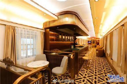 酒吧車卡(圖片來源:微博@中國鐵路)