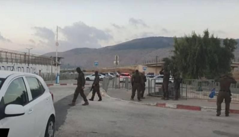 以色列當局馬上在監獄周邊部署警方、軍隊和特種部隊,進行大規模搜捕(圖片來源:公視新聞網)